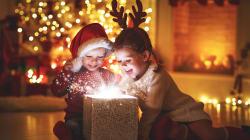 A Natale, stimola la loro fantasia: 10 giochi smart per nativi