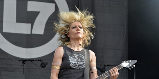 Le groupe américain L7, ici au Hellfest en 2015, est le seul à être entièrement composé de femmes cette année