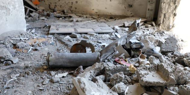 L'interno di una casa seriamente danneggiata dai bombardamenti