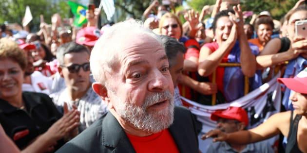 Pedido de prisão do ex-presidente pode ser emitido na próxima semana. Ele foi condenado a 12 anos de prisão por corrupção e lavagem de dinheiro no caso do tríplex do Guarujá.
