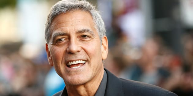 George Clooney conduisait un scooter sur une route de Sardaigne au moment de l'accident.