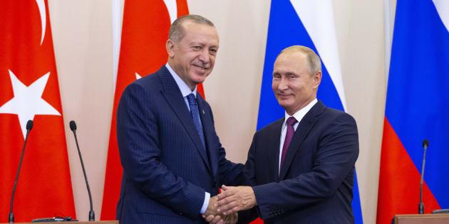 Vladimir Poutine et Tayyip Erdogan à l'issue de leur conférence de presse, lundi 17 septembre 2018 à Sotchi en Russie.