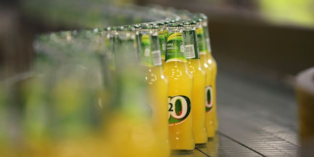Les adolescents britanniques avalent une baignoire de boissons sucrées par jour