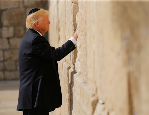Trump is first US president to visit Western Wall