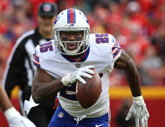 LeSean McCoy facing lawsuit from ex-girlfriend