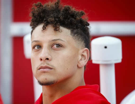 Mahomes' girlfriend says stepfather died at game