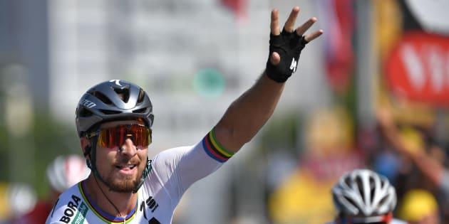 Tour de France 2018: Peter Sagan qui remporte la 2e étape et prend le maillot jaune