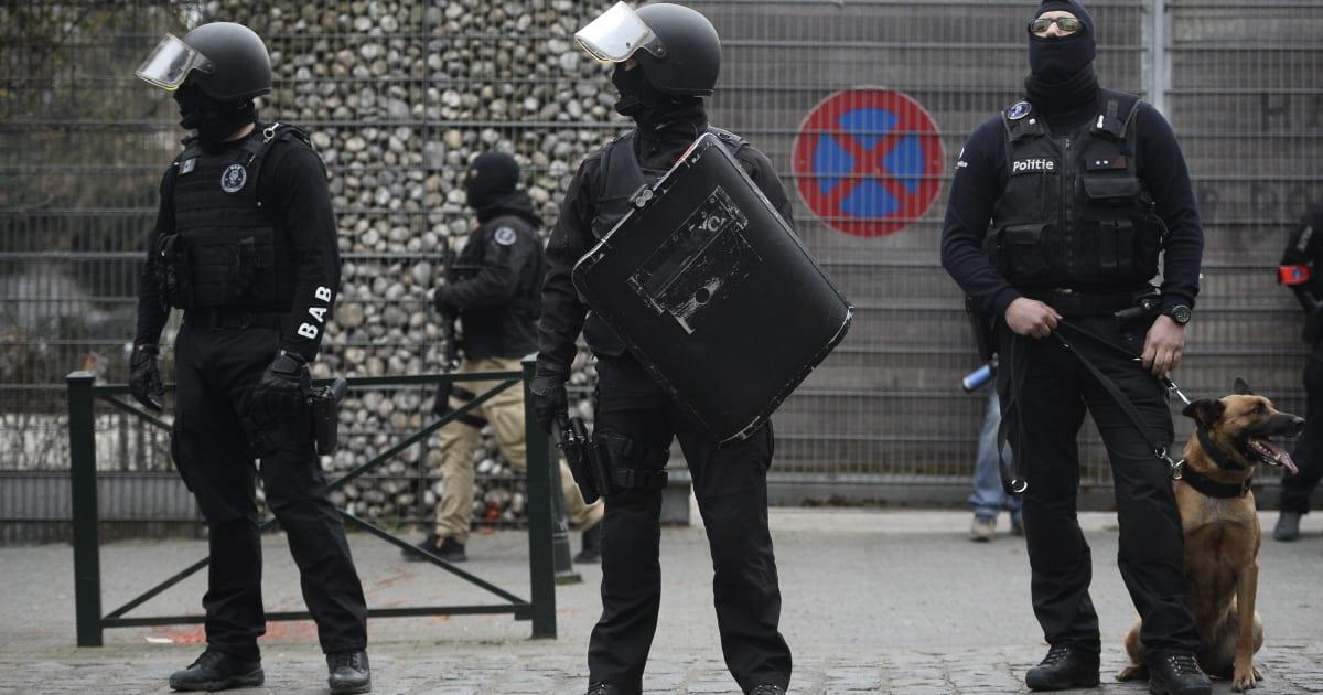 la belgique veut juger salah abdeslam pour avoir tir sur les policiers. Black Bedroom Furniture Sets. Home Design Ideas