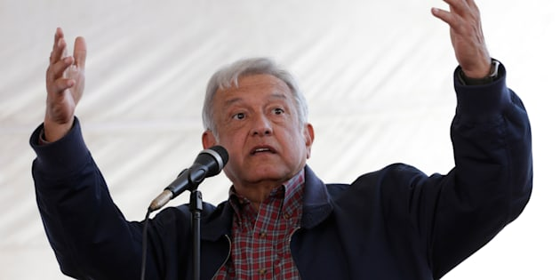 Andres Manuel Lopez Obrador, leader of the National Regeneration Movement (MORENA) party, gives a speech to supporters in Tlapanoloya, Mexico, January 25, 2017. REUTERS/Henry Romero