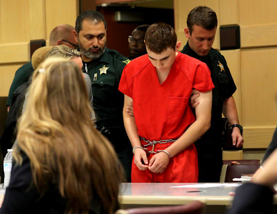 Nikolas Cruz barely looks up during court appearance