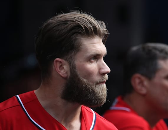 Harper looks like a different person after shaving
