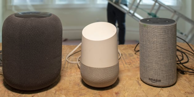 L'Apple HomePod, le Google Home et l'Amazon Echo.