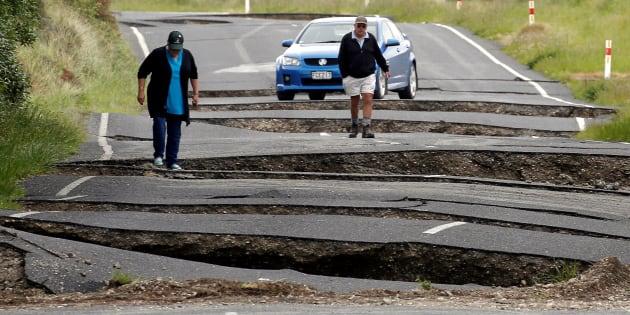 Des habitants de Ward, au sud de Blenheim, sur l'Île du Sud de la Nouvelle-Zélande, le 14 novembre 2016.