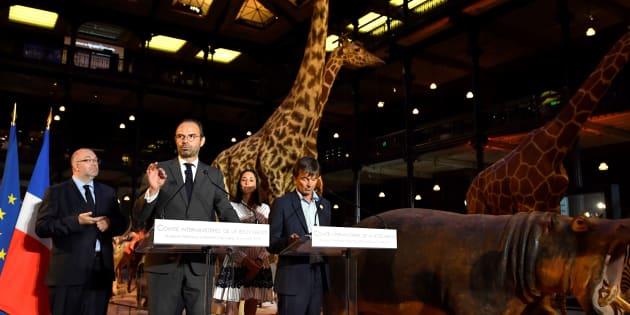 De gauche à droite, Stéphane Travert, ministre de l'Agriculture, le Premier ministre Edouard Philippe, Brune Poirson, secrétaire d'État auprès du ministre de la Transition écologique et solidaire Nicolas Hulot que l'on voit tout à droite.