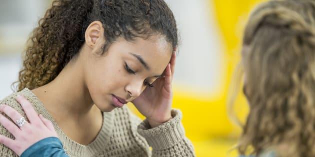 Quem sofre de depressão de alto funcionamento precisa de apoio, mesmo que não seja óbvio.