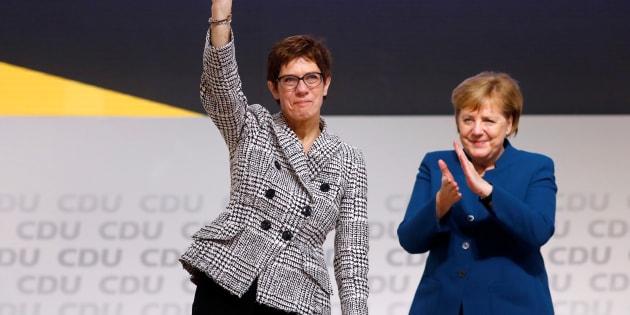 Annegret Kramp-Karrenbauer et Angela Merkel après l'élection ce vendredi 7 décembre.