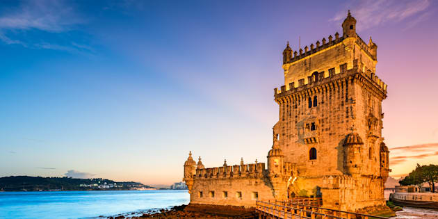 Lisboa é uma cidade deliciosa, aconchegante e estranhamente familiar.