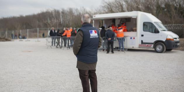 Un migrant mortellement poignardé à Calais, à proximité d'un site de distribution de repas
