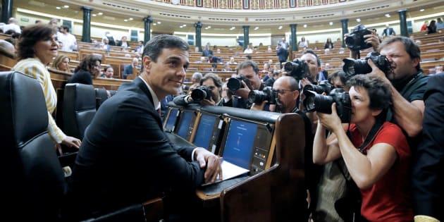 El presidente del Gobierno, Pedro Sánchez, en la sesión de control en el Congreso de los Diputados, este miércoles.