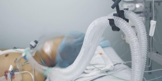 De nouvelles étudesmettent en lumière les taux élevés de dysfonctionnement cérébral aigu – ou delirium – chez les patients qui subissent des traitements en unité de soins intensifs hospitaliers.