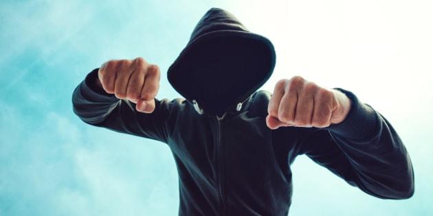 Avellino, studente aggredisce prof: il consiglio di classe rinvia la decisione