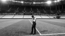 Pourquoi les téléspectateurs anglais verront 25 secondes d'images en noir et blanc avant le match