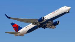 Pidió que levantaran la mano a los pasajeros judíos en vuelo de Delta y fue