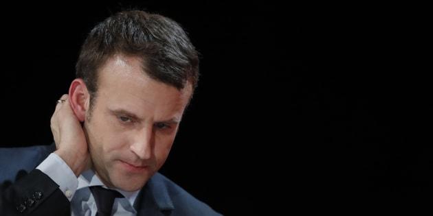 Emmanuel Macron, lors d'une réunion à la fondation l'Abbé Pierre, à Courbevoie le 30 janvier.