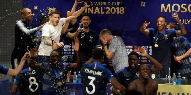 Les Français sont champions du monde, et les joueurs ont mis l'ambiance la conférence de presse de Didier Deschamps.