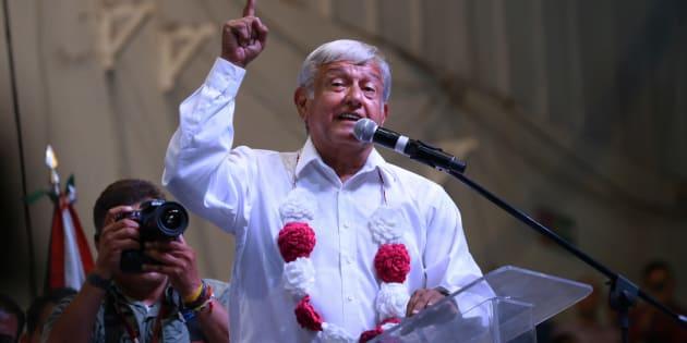 Andrés Manuel López Obrador, candidato a la presidencia de la República por la coalición Juntos Haremos Historia, sostuvo un encuentro ante miles de simpatizantes a su movimiento en el auditorio de Mexicali, Baja California, el 18 de junio de 2018.