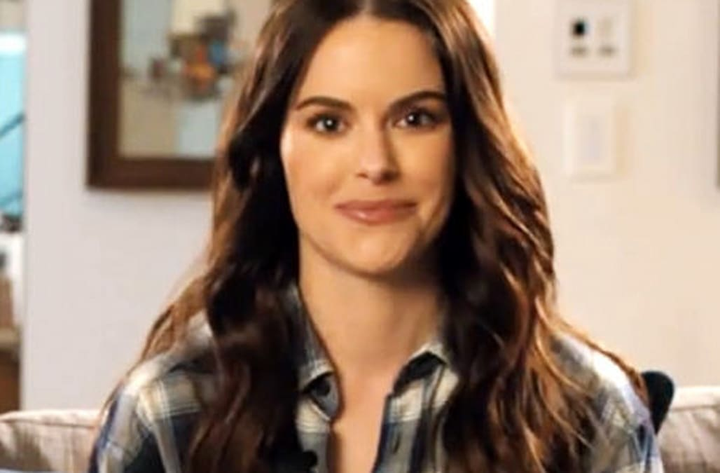 Emily Hampshire of 'Schitt's Creek' reveals who she'd stay with at the Rosebud Motel and more