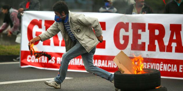 Sindicatos ajudaram a organizar a Greve Geral de 28 de Abril.