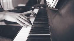 なぜ、日本の高齢者施設は「音楽療法」ではなく「音楽レクリエーション」を求めるのか?