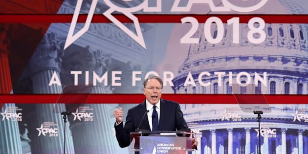 """Après la tuerie en Floride, la NRA, grand lobby des armes, dénonce une """"politisation honteuse de la tragédie"""""""