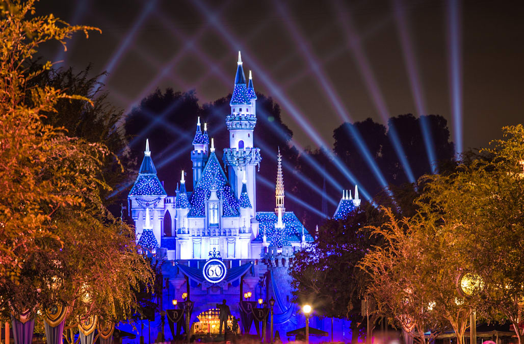 Disney Magic: Guide to Disney World and Disneyland - cover