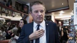 Des proches de Dupont-Aignan claquent la porte après son soutien à Le Pen, une