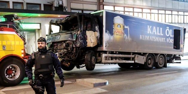 Attentat en Suède: un homme a été placé en garde à vue, il s'agirait du conducteur du camion