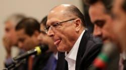 Cercado por 11 homens do centrão, Alckmin diz que terá mulheres em eventual