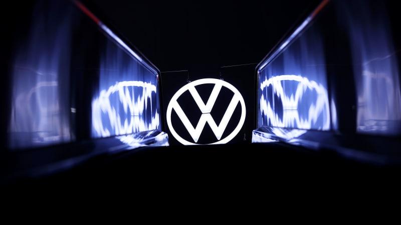 Прибыль VW сократилась вдвое, но это вдвое больше, чем ожидалось