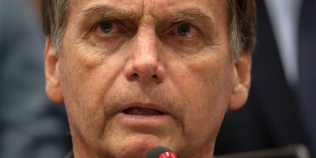 """""""Explorar eso es desconocer al pueblo brasileño, que es mestizado"""", escribió Bolsonaro."""
