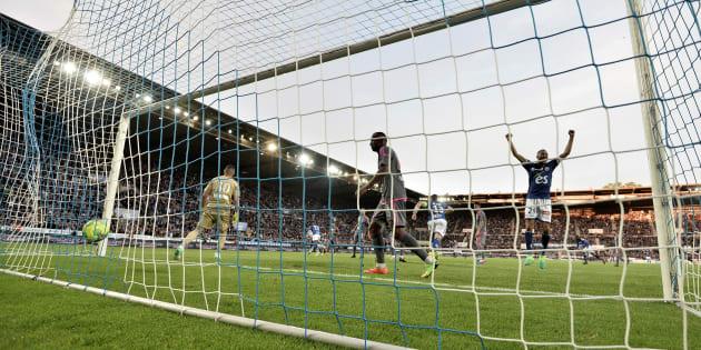 Le Racing Club de Strasbourg et Amiens promus en Ligue 1, Troyes barragiste