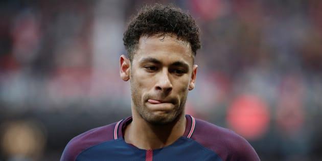 PSG: Neymar officiellement forfait pour le Real et opéré au Brésil en fin de semaine.