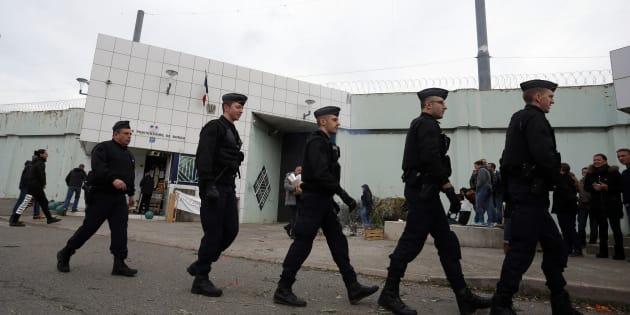 Des policiers devant la prison de Borgo, en janvier (Image d'illustration).
