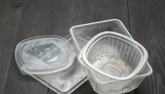 Une étude d'impact réclamée avant le bannissement du plastique