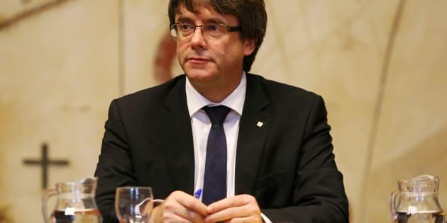 Carles Puigdemont suspend l'indépendance de la Catalogne pour laisser place au dialogue