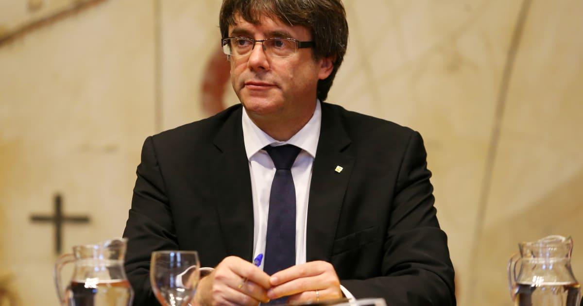 Carles puigdemont suspend l 39 ind pendance de la catalogne for 2386 87 0