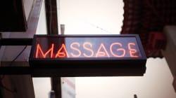Moglie di un pensionato fa scoprire giro di prostituzione in un centro massaggi cinese a