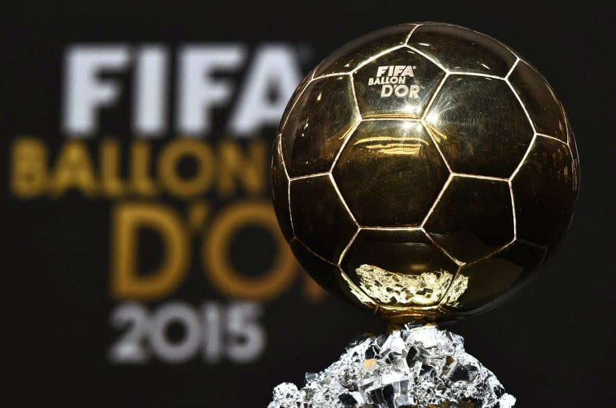 Le trophée du Ballon d'Or.