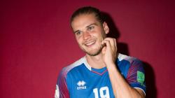 Biondo, occhi azzurri, islandese: è lui il più bello dei