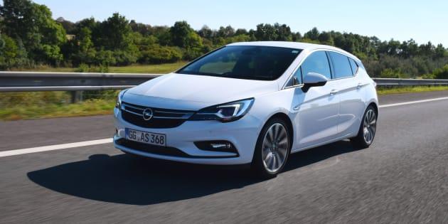 Une Opel Astra aurait roulé à 696 km/h dans une zone de 50 km/h, selon la police belge.